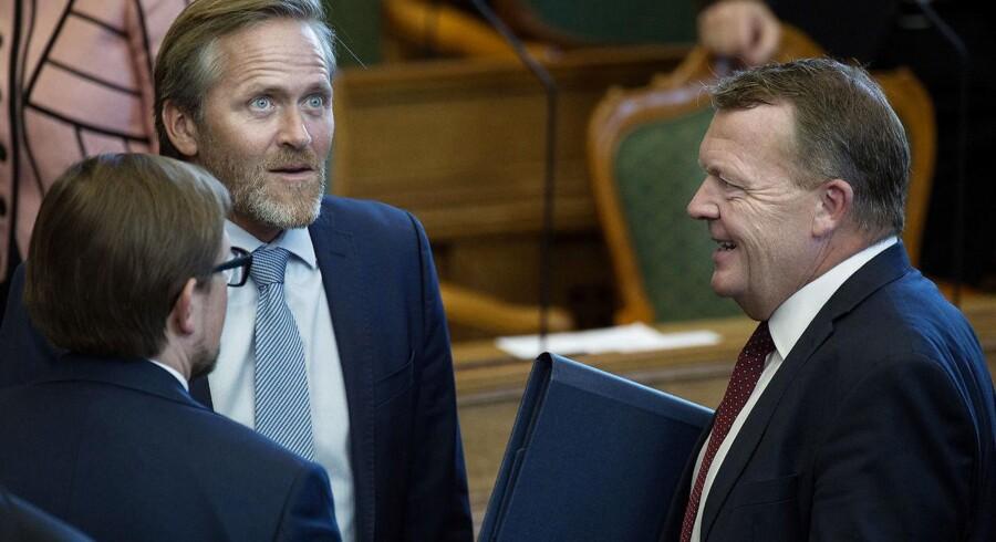 Liberal Alliances leder, Anders Samuelsen, politisk ordfører Simon Emil Ammitzbøll (LA) og statsminister Lars Løkke Rasmussen (V) ved Folketingets åbning 4. oktober 2016.