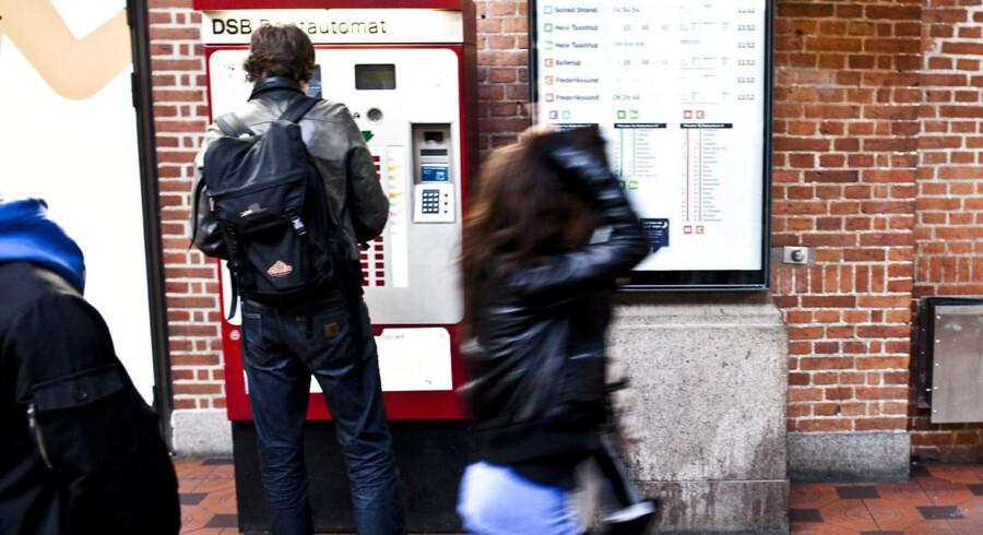 ARKIVFOTO. DSB lukker ned for billetautomaterne henover nytår for at undgå omfattende hærværk.