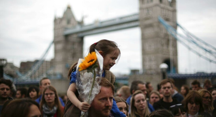 Folk samlet for at mindes ofrene for terrorangreb i London 3. juni, som kostede otte mennesker livet, og som flere feminister mener er symptomatisk for en giftig maskulinitet.