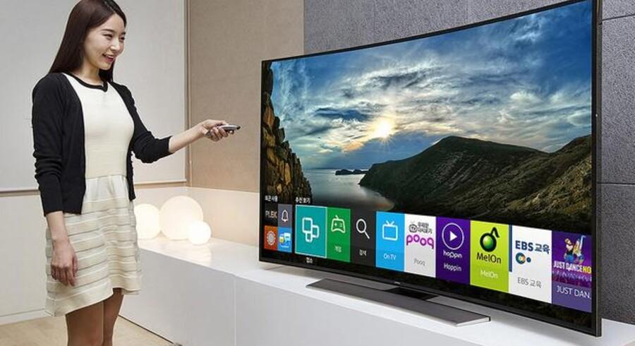 Betjeningen af alle de andre funktioner på Samsung-TV-skærmen, som ikke lige handler om at se TV, bliver fremover helt anderledes. Alle nye fjernsyn vil bruge Samsungs egen software, Tizen. Foto: Samsung
