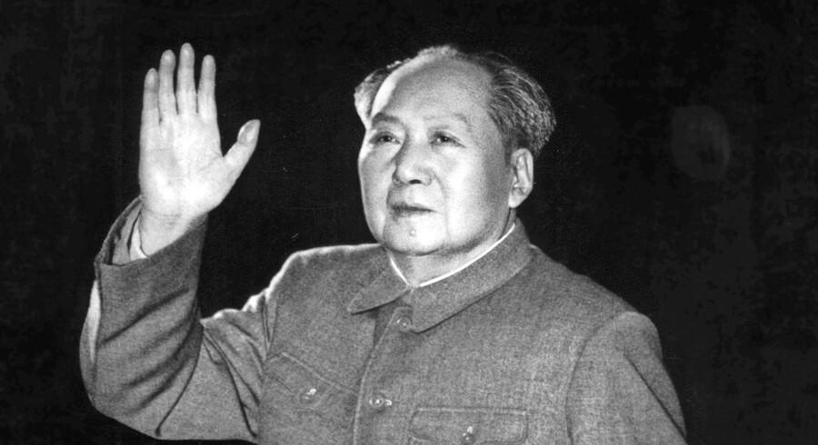 Ægteskab, familieliv og en større kinesisk historie kobles sammen i »Fortællingen om dengang Xu Sanguan solgte sit blod« af Yu Hua.