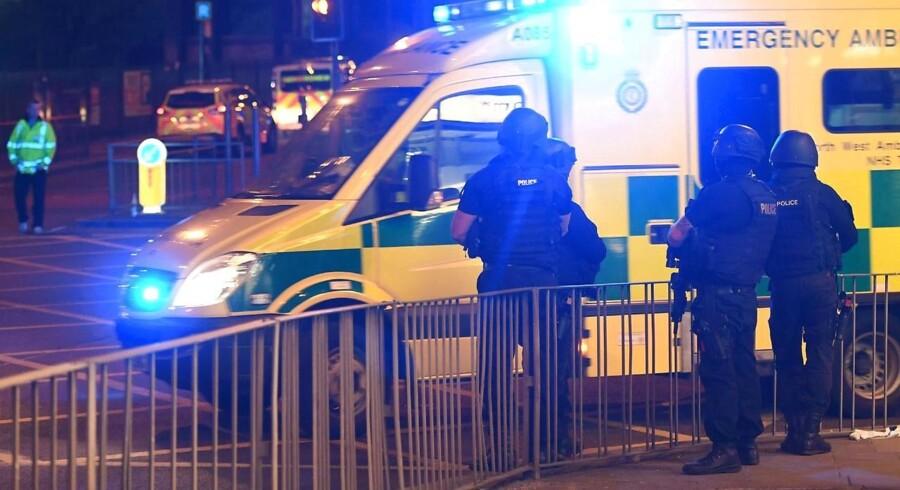 Politiet i Manchester oplyser, at mindst 19 er dræbt, og 50 er såret efter en hændelse ved Manchester Arena.. / AFP PHOTO / Paul ELLIS