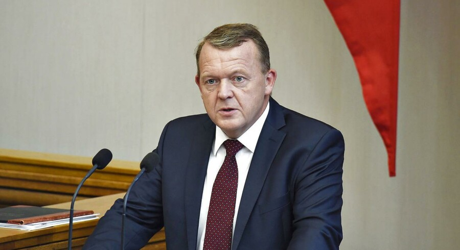 Statsminister Lars Løkke Rasmussen fortalte fra talerstolen ved Folketingets åbning, at regeringen vil sænke skatten på bolig og fastfryse grundskylden.