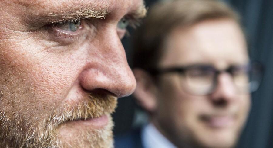 Anders Samuelsen truer igen regeringen på livet. Lars Løkke Rasmussen og co. skal inden 2016 bliver til 2017 have leveret store reformer, med »markante lettelser« af både marginalskatten og skatten i bunden, hvis ikke Liberal Alliance skal trække tæppet væk under regeringen.