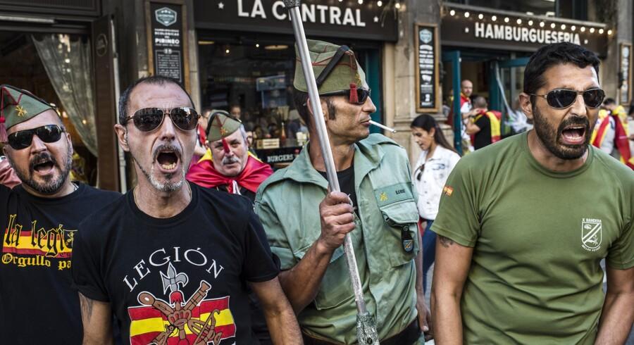 Centralregeringens magtovertagelse i Catalonien går foreløbigt efter planen. Separatistlederne virker rådvilde, men folkebevægelsen bag dem har ikke nødvendigvis givet op.