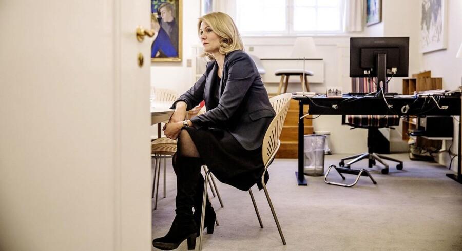 Helle Thorning-Schmidt forlader dansk politik for et topjob i Red Barnet.