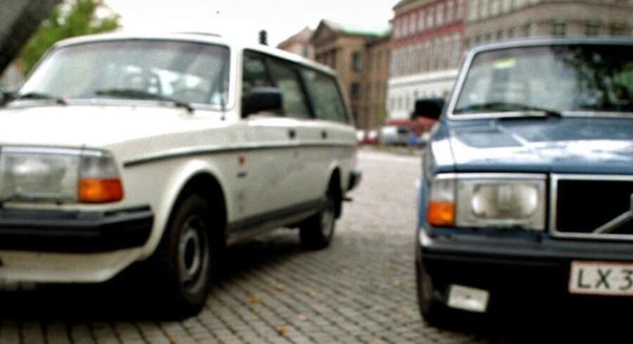 Det drejer sig om en grå eller mørk Volvo stationcar af ældre dato (arkiv)