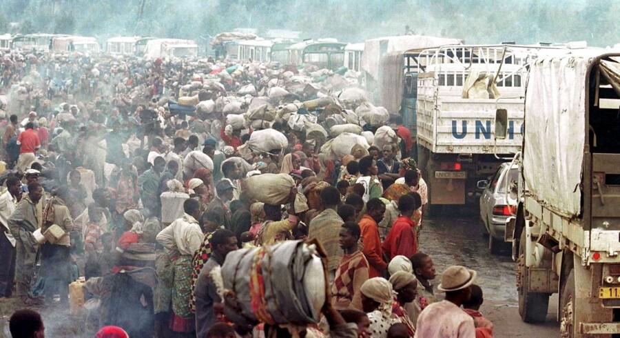 Arkivfoto fra Mukaruka-lejren, hvor tusinder af flygtninge fra Rwanda var indkvarteret under urolighederne i 1994, hvor 800000 mennesker mistede livet på 100 dage.