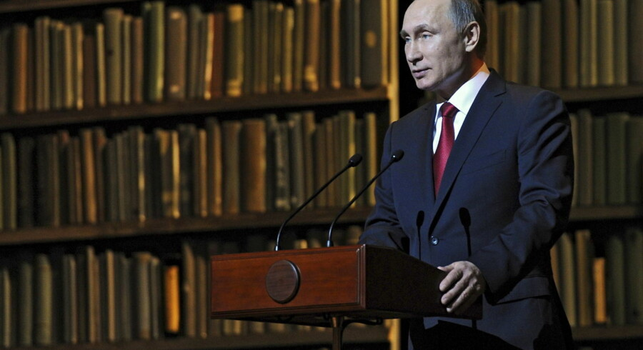 Russian President Vladimir Putin addresses the audience at the Mariinsky Theatre in St. Petersburg, Russia, December 14, 2015. REUTERS/Michael Klimentyev/Sputnik/Kremlin ATTENTION EDITORS - THIS IMAGE HAS BEEN SUPPLIED BY A THIRD PARTY. IT IS DISTRIBUTED, EXACTLY AS RECEIVED BY REUTERS, AS A SERVICE TO CLIENTS.