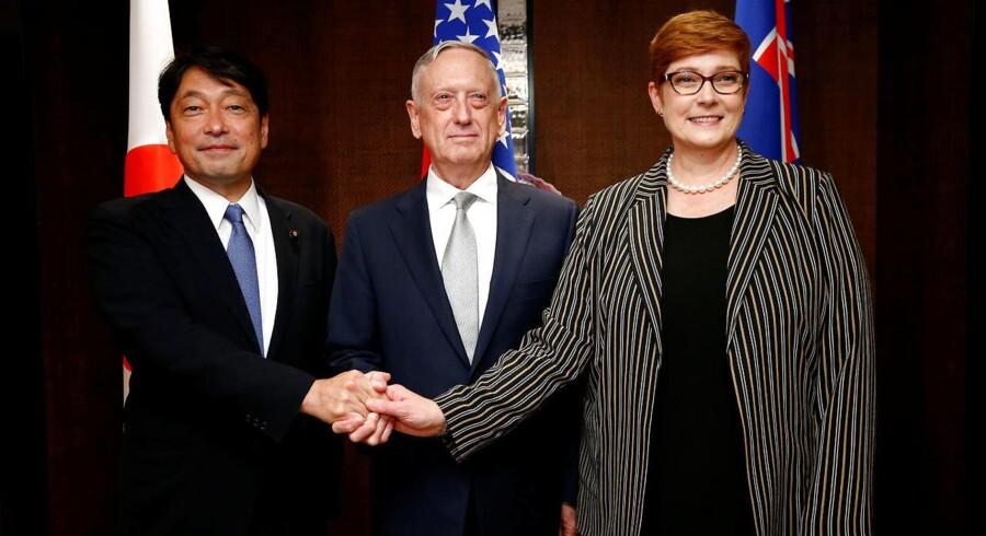 Det vil ifølge USAs forsvarsminister, Jim Mattis, få større konsekvenser, hvis Kina ikke finder frem til en måde at samarbejde med de andre lande i regionen på.