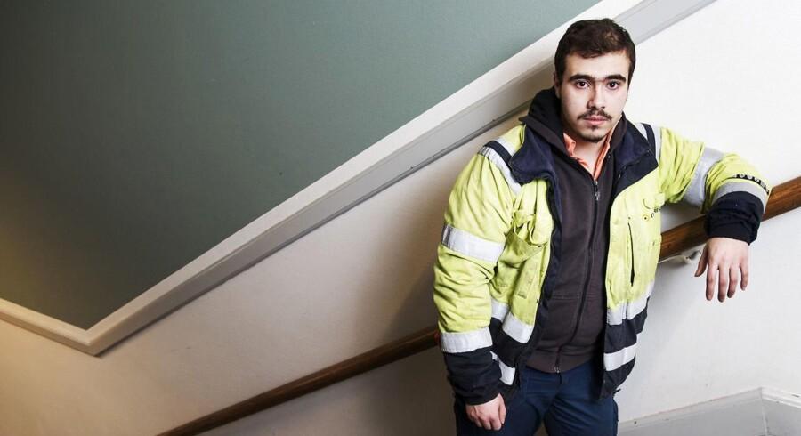 21-årige Mohammad Al-Saadi lærer hele tiden nye ord og bliver bedre til dansk, fortæller han. Om dagen som IGU-elev i virksomheden Norisol i Korsør og om aftenen på sprogskole i Slagelse.
