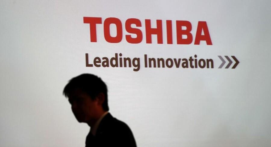 Toshibas aktie fortsætter med at falde i dag onsdag.