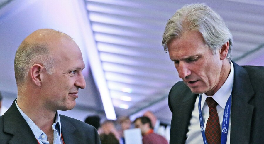 Reegnar Paaske, prisvindende dansk iværksætter ?fra Nordic Power Converters i samtale med ?Bertrand van Ee, hollandsk direktør for det ?europæiske innovationscenter for klima-?teknologi. Foto: EIT
