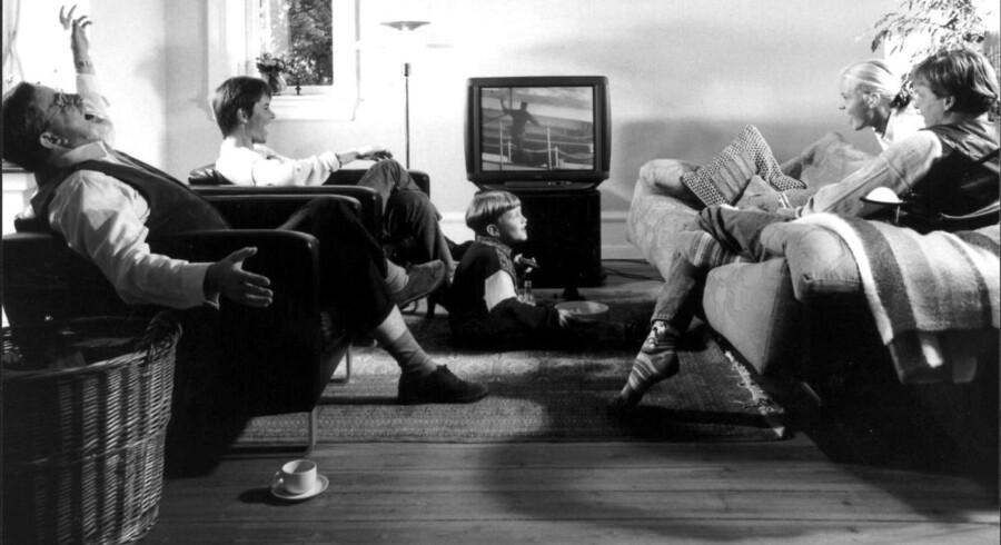 I sig selv kan man sige, at der er opstået en generationskløft, hvor de gamle ser sindssygt meget fjernsyn, og de unge hellere vil streame, fortæller leder af DRs medieforskning