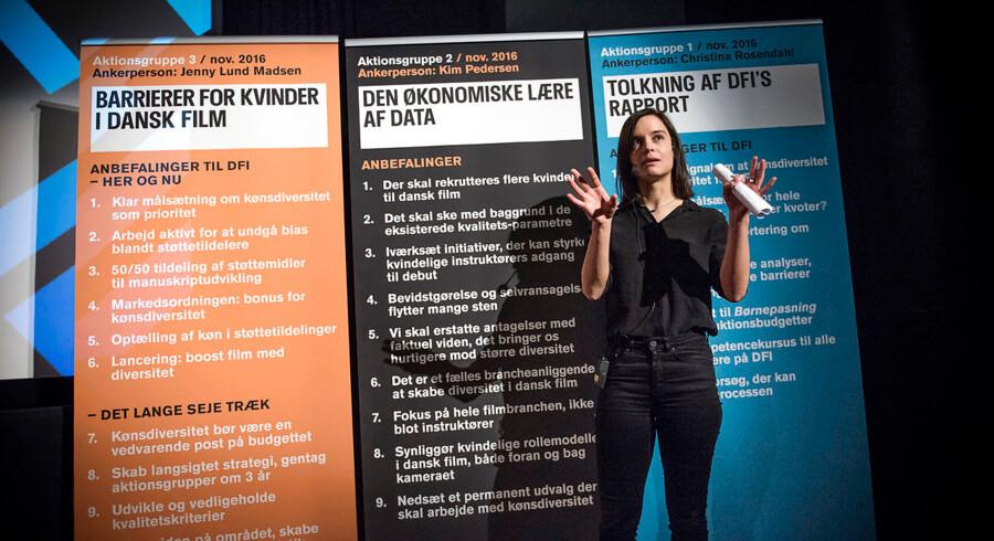 Debatmøde: Hvordan får vi flere kvinder i dansk film?, afholdt af Det Danske Filminstitut i Cinemateket, København. Deltagere: Anne Sophia Hermansen (ordstyrer), Jenny Lund Madsen, Kim Pedersen og Christina Rosendahl. Her Jenny Lund Madsen.