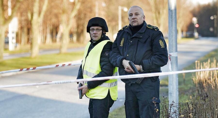 Tirsdag morgen har der været et skyderi ved politigården i Albertslund.