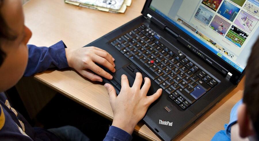 Arkivfoto. Det var ikke i orden, at en skoleleder og viceinspektør fra en skole på Fyn samlede ni drenge fra en 7.-klasse og gennemgik søgehistorikken i deres computere for pornosider. Det slår Datatilsynet fast i en ny afgørelse.