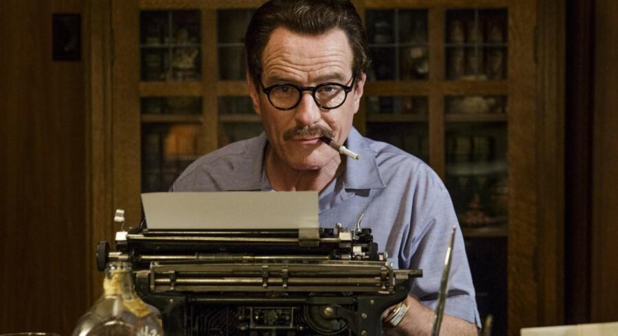 Bryan Cranston fra tv-serien »Breaking Bad« spiller særdeles veloplagt som Hollywood-manuskriptforfatter Dalton Trumbo. Foto: PR