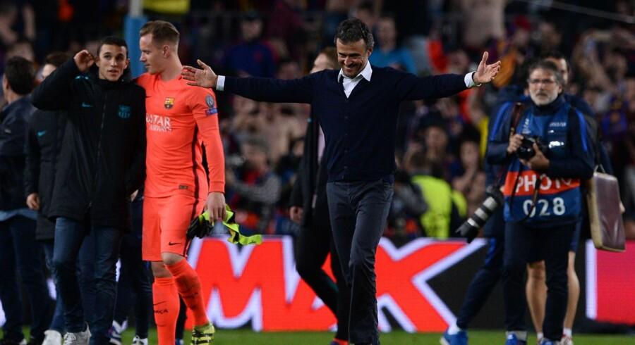 Luis Enrique lod følelserne få frit spil, da hans hold havde præsteret et af de mest vanvittige comebacks i Champions Leagues historie. Scanpix/Josep Lago