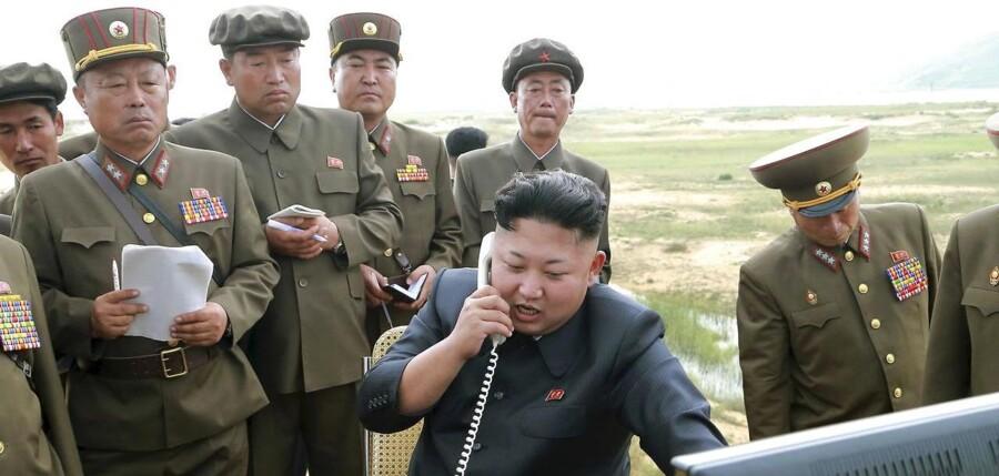 Kim Jong-Un under prøvesprængningen.