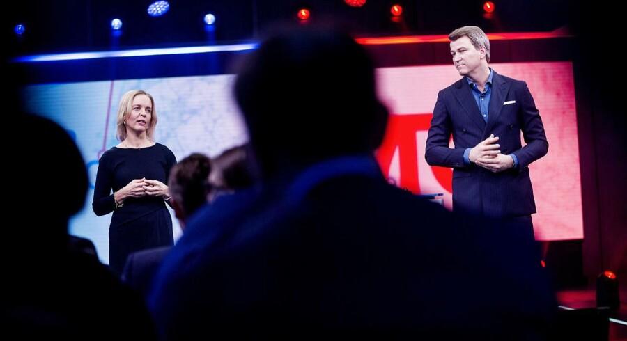 Administrerende direktør i TDC Pernille Erenbjerg og Vicekoncernchef Anders Jensen fortæller om et opkøb på et pressemøde torsdag den 1. Februar 2018. . (Foto: Uffe Weng/Scanpix 2018)