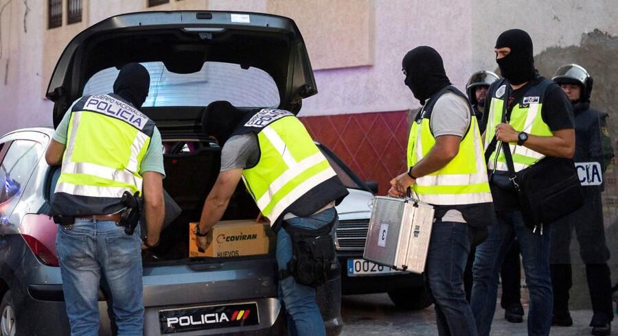 Melilla har tidligere været nævnt som et område, der har huset islamister og spansk politi har tidligere foretaget flere anholdelsesaktioner. Blandt andet i 28. september 2016, hvor flere ransagninger fandt sted i en aktion koordineret med myndigheder i flere andre lande.