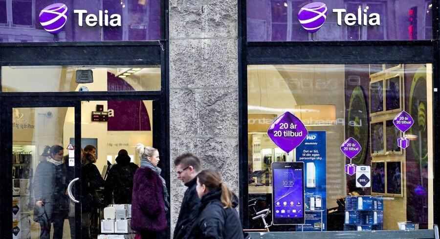 Det er svært at tjene penge på det danske telemarked på grund af den hårde konkurrence. Telia rygtes derfor at arbejde med planer om at opkøbe sin konkurrent, TDC, i Danmark. Arkivfoto: Nils Meilvang, Scanpix