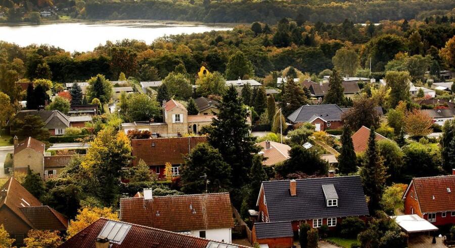 »Der er nogle, der glæder sig til, at skatten skal sættes ned. Andre, der ellers kunne se skatten stige meget kraftigt, vil gerne have tryghed for, at det ikke sker, inden de køber en bolig«, siger Lauritzen.