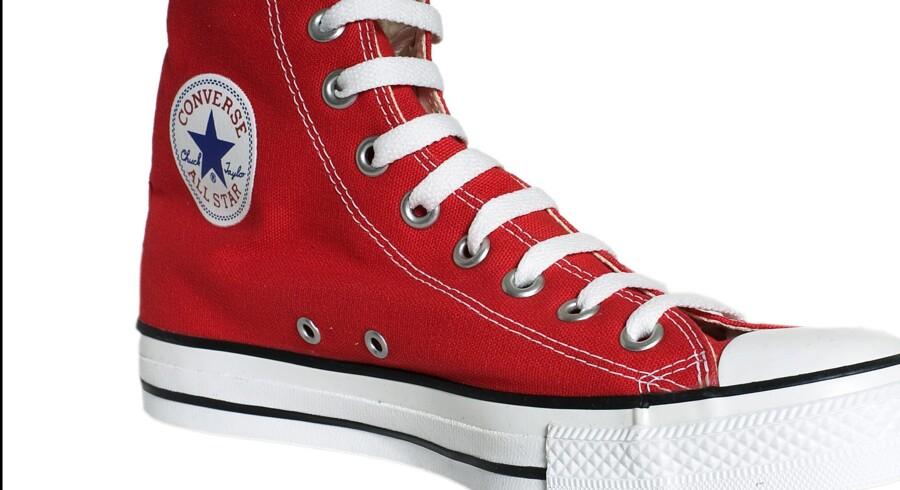 100.000 par Converse-sko har haft hovedrollen i et stort retligt opgør. Danske butikker var i god tro, da de solgte kopier, fastslår Østre Landsret torsdag (arkivfoto). Scanpix/Simon Knudsen
