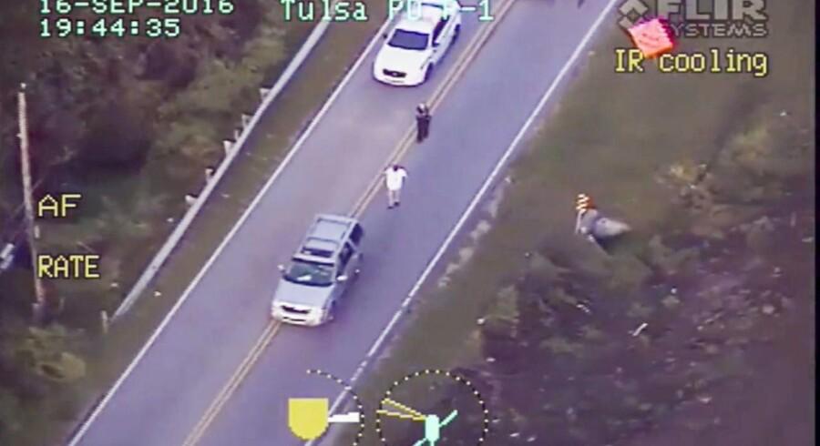 Politiet i Tulsa, Oklahoma skød og dræbte fredag den 16. september en 40-årig sort mand. Man fandt hverken våben på manden eller i hans bil.