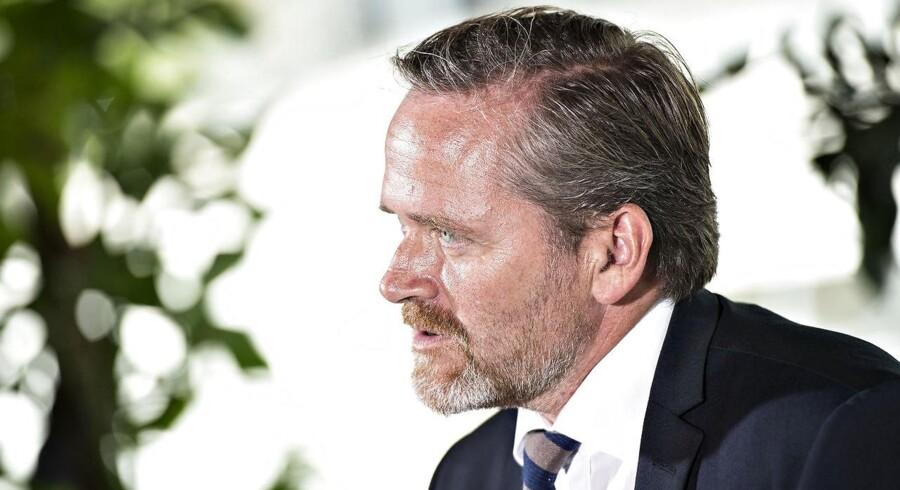 »Udfordringen for Anders Samuelsen og hans tropper er, at partiet har så mange fjender, at det er svært at være synlig.«