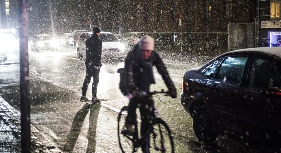 DMI varsler sne flere steder i landet natten til onsdag d. 09. november. Aftensne på Vesterbro i København.