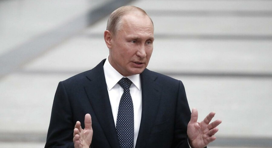 Præsident Vladimir Putin kræver reportere løsladt i fangeudveksling med Ukraine