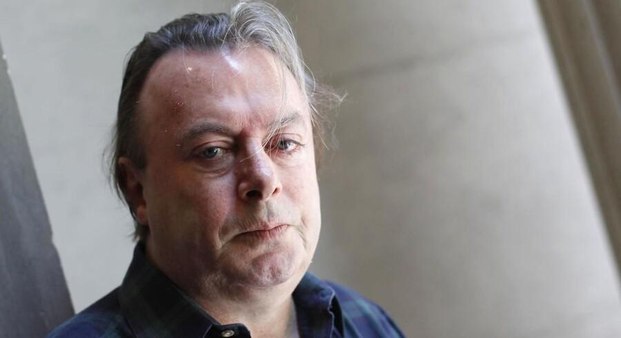 Christopher Hitchens er død efter længere tids kræftsygdom.