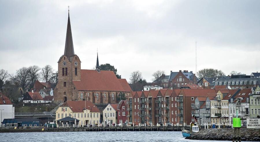I Sønderborg oprettes et nyt center, der får navnet Center for Industriel Elektronik (CIE). Centret skal indeholde forsknings-, innovations- og testfaciliteter på internationalt topniveau.