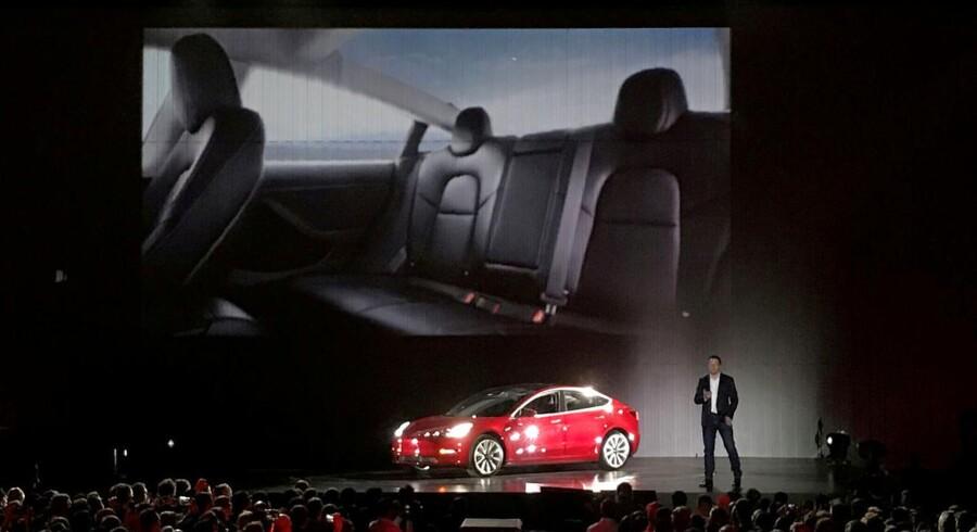 Teslas topchef Elon Musk lover investorer, at virksomheden vil levere overskud. REUTERS/Alexandria Sage/File Photo