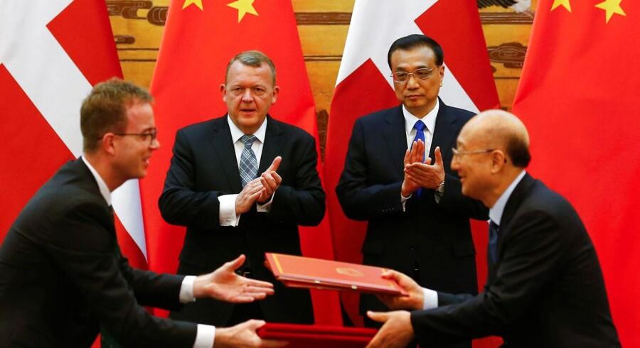 Kinesisk premierminister Li Keqiang sammen med statsminsiter Lars Løkke Rasmussen, der gæstede Kina tidligere i maj. REUTERS/Thomas Peter