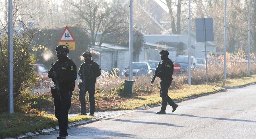 Politimand skudt ved Albertslund politistation. Politimanden var på vej på arbejde da skuddene faldt.. (Foto: Martin Sylvest/Scanpix 2016)