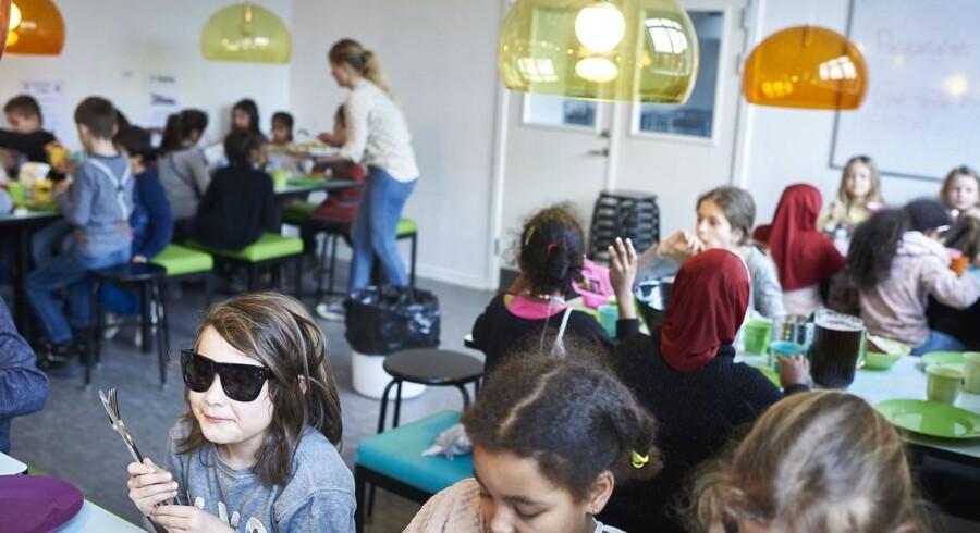 Spisepause for de yngste elever på Nørre Fælled Skole i København.