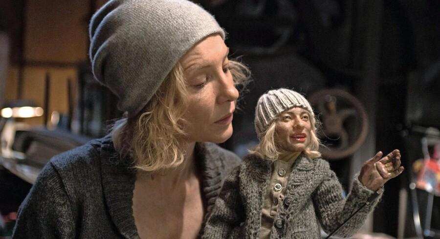 Cate Blanchett i en af sine mange roller i filmen »Manifesto«. Foto: PR Foto Cinando/Natlys