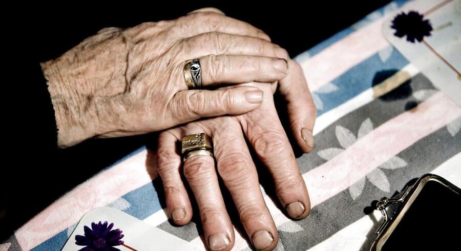 Et ægteskab mellem en ældre mand og en yngre kvinde er i centrum i denne uges brevkasse.