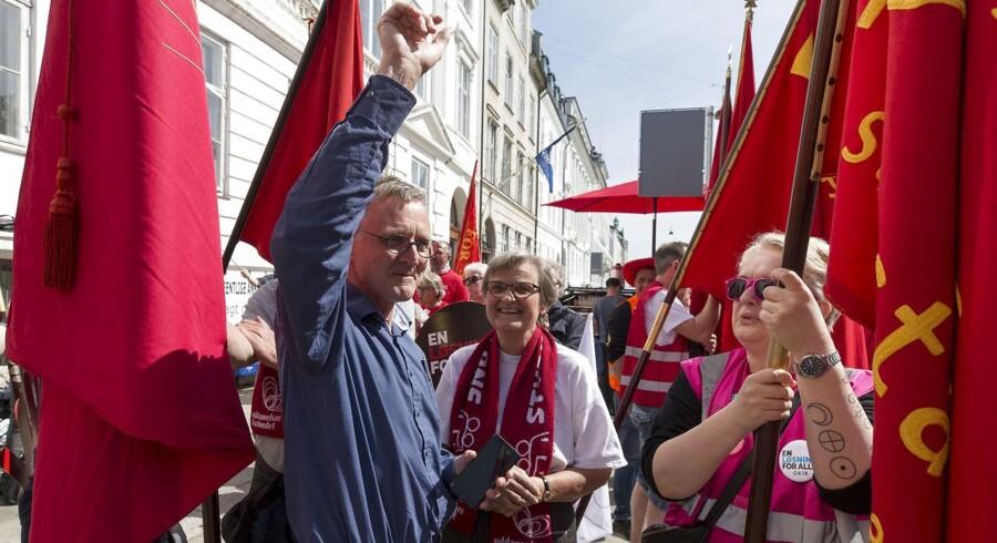 Formand for Danmarks Lærerforening Anders Bondo Christensen får en pause fra de langtrukne overenskomstforhandlinger på det offentlige område, der fortsætter søndag.