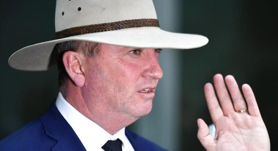 Australiens højesteret har udelukket landets vicepremierminister, Barnaby Joyce, og fire senatorer fra landets parlament.
