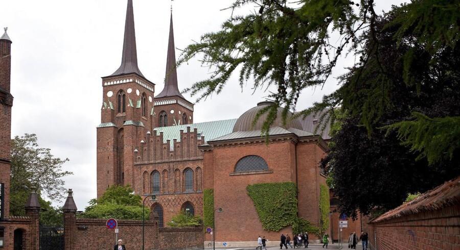 Roskilde Domkirke er skæv. Årsagen skal findes langt tilbage i historien.