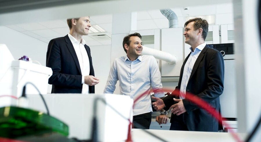 Orphazyme fortæller om børsplaner, første biotekselskab i årevis der er klar til børsnotering. Anders Vadsholt (tv) Chief Financial Officer Thomas Kirkegaard Jensen (i midten), PhD Chief Scientific Officer Anders Hinsby, (th) PhD Chief Executive Officer