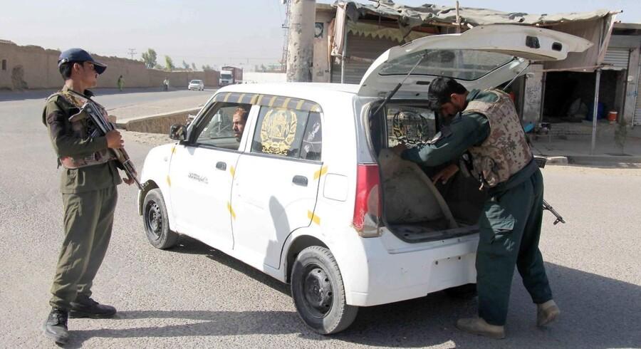 Sikkerhed er det altafgørende spørgsmål i den afghanske hverdag. Her en kontrolpost i Kandahar.