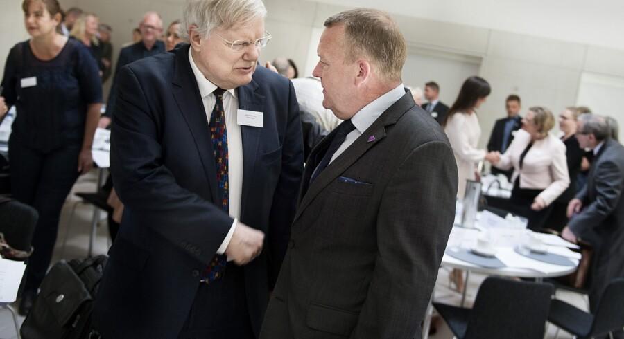 2025-planen ser samlet set ud til at blive et tilbageskridt for de ældre, vurderer Bjarne Hastrup (tv), direktør i Ældre Sagen. Arkivfoto. Scanpix/Liselotte Sabroe