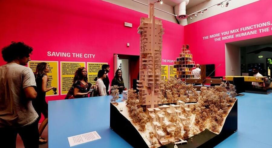 Temaet for årets arkitekturbiennale i Venedig er »Reporting from the front«. Her et bud på et bæredygtigt beboelsesområde fra det britiske arkitektfirma Roger Stirk Harbour and Partners. Foto: Vincenzo Pinto