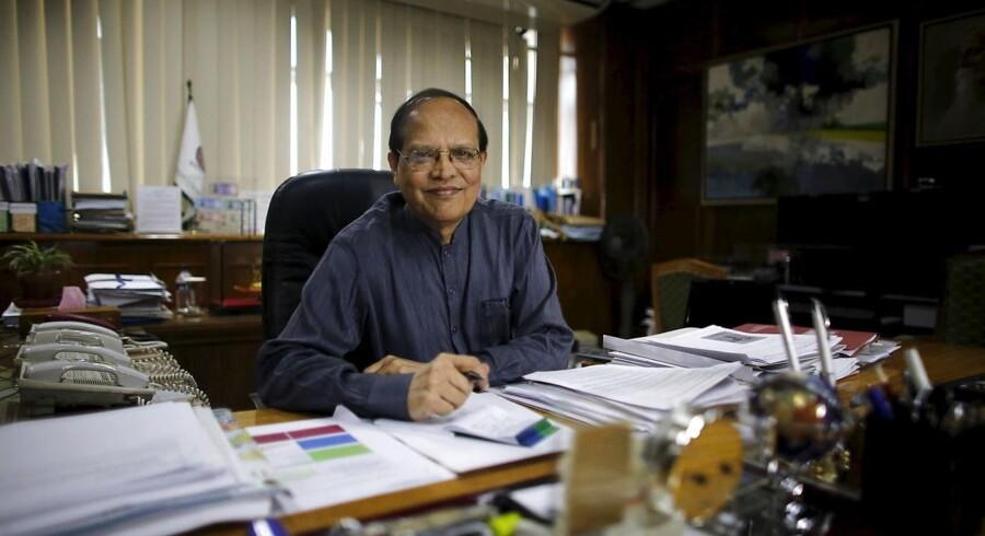 Bangladesh's centralbankchef Atiur Rahman i sit kontor i Dhaka. REUTERS/Andrew Biraj/Files