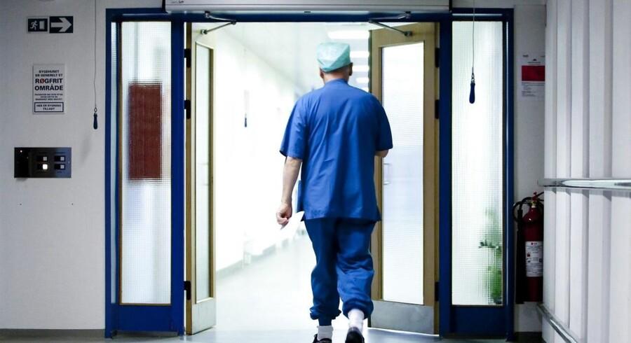 Produktivitetskravet til landets sygehuse er suspenderet efter pres fra et flertal i Folketinget. Dermed er der ro til at finde en ny model, siger minister. (Foto: Morten Stricker/Scanpix 2016)
